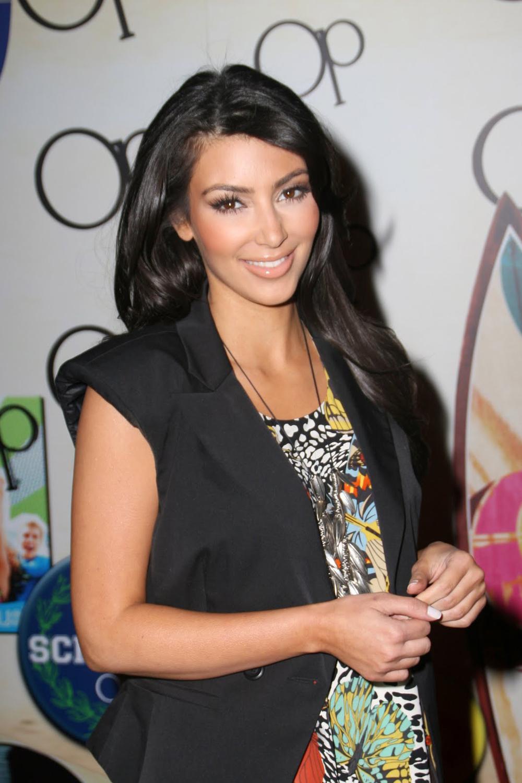 Kim Kardashian Long Straight Hairstyles 09