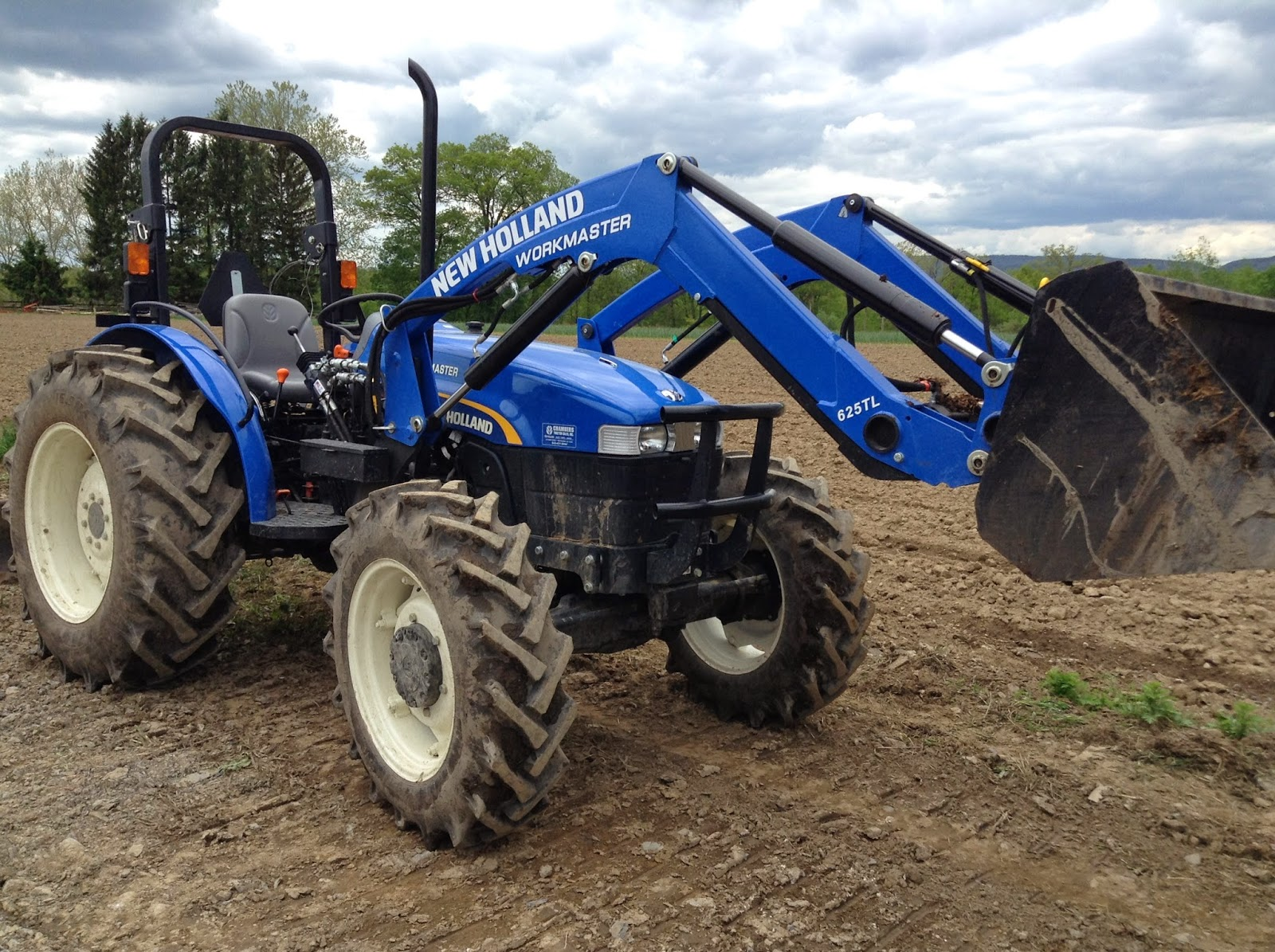 New Holland Tractor, blue