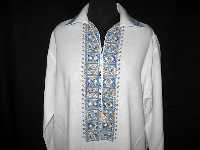 Вишита хрестиком чоловіча сорочка від майстрині Руслани Равлюк, Бучач, Україна