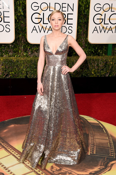 Portia Doubleday stuns in a metallic gown at the Golden Globes 2016