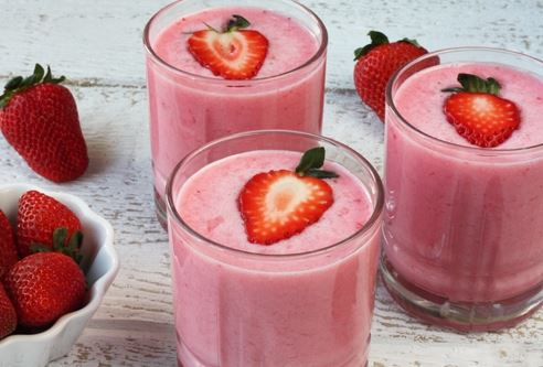 Resep cara membuat strawberry Smoothies