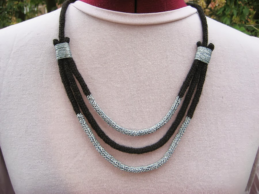 On Knitted Jewelry - Pirra Necklace and Knitting with Wire