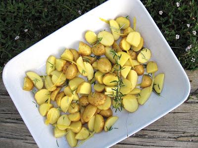 pommes de terre rôties au romarin, citron et huile d'olive