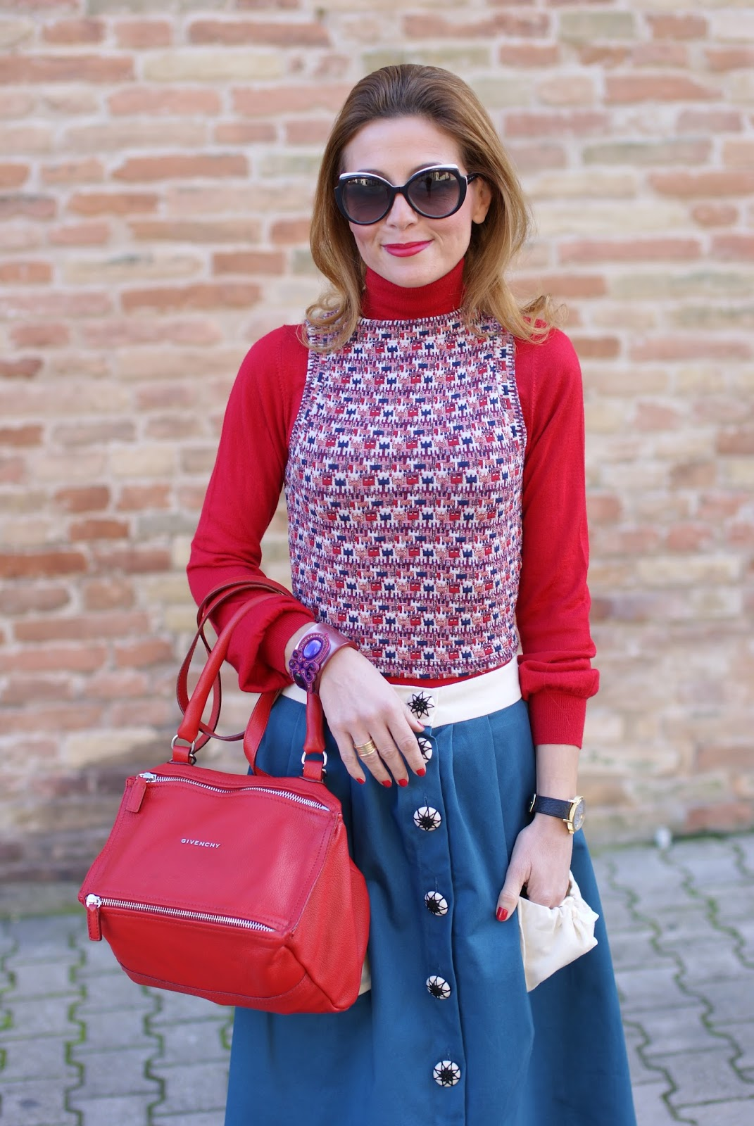 Opposés Complémentaires buttoned midi skirt, Givenchy red Pandora bag and Gioya Bijoux bracelet on Fashion and Cookies fashion blog, fashion blogger style