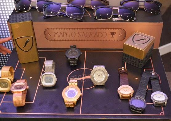 Manto Sagrado Chilli Beans óculos e relógios coleção Copa do Mundo futebol Brasil