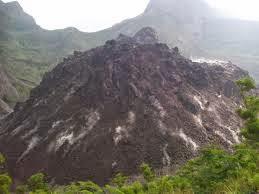 Gunung Kelud tampak Indah sebelu meletus