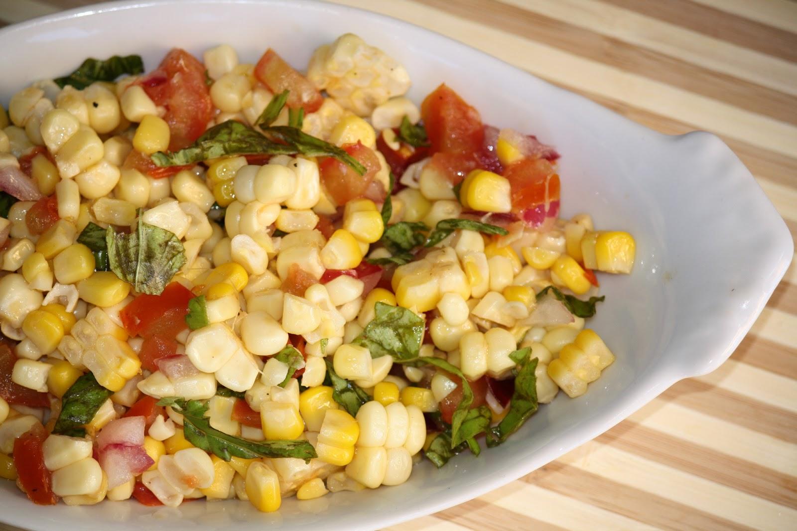 dubs cafe: Fresh Corn and tomato salad