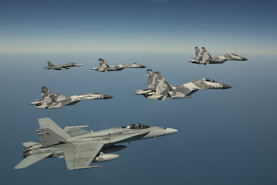 http://4.bp.blogspot.com/--HQKkY-35L4/UBJsF8ylWmI/AAAAAAAANNk/Q8uUX6zl_70/s1600/Australian+No.77+Squadron+FA-18+Hornet+welcome+Indonesian+Air+Force+(TNI-AU)+Sukhoi+Su-27+&+Su-30+Flanker+into+Darwin+to+participate+in+Exercse+Pitch+Black+2012+(1).jpg