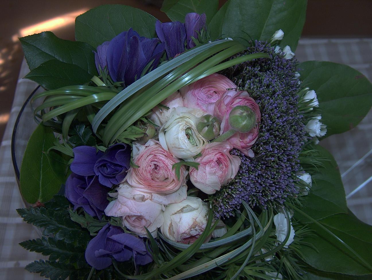 fleurs plantes etc bouquets au jour le jour. Black Bedroom Furniture Sets. Home Design Ideas