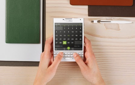 New BlackBerry Passport Warna Putih
