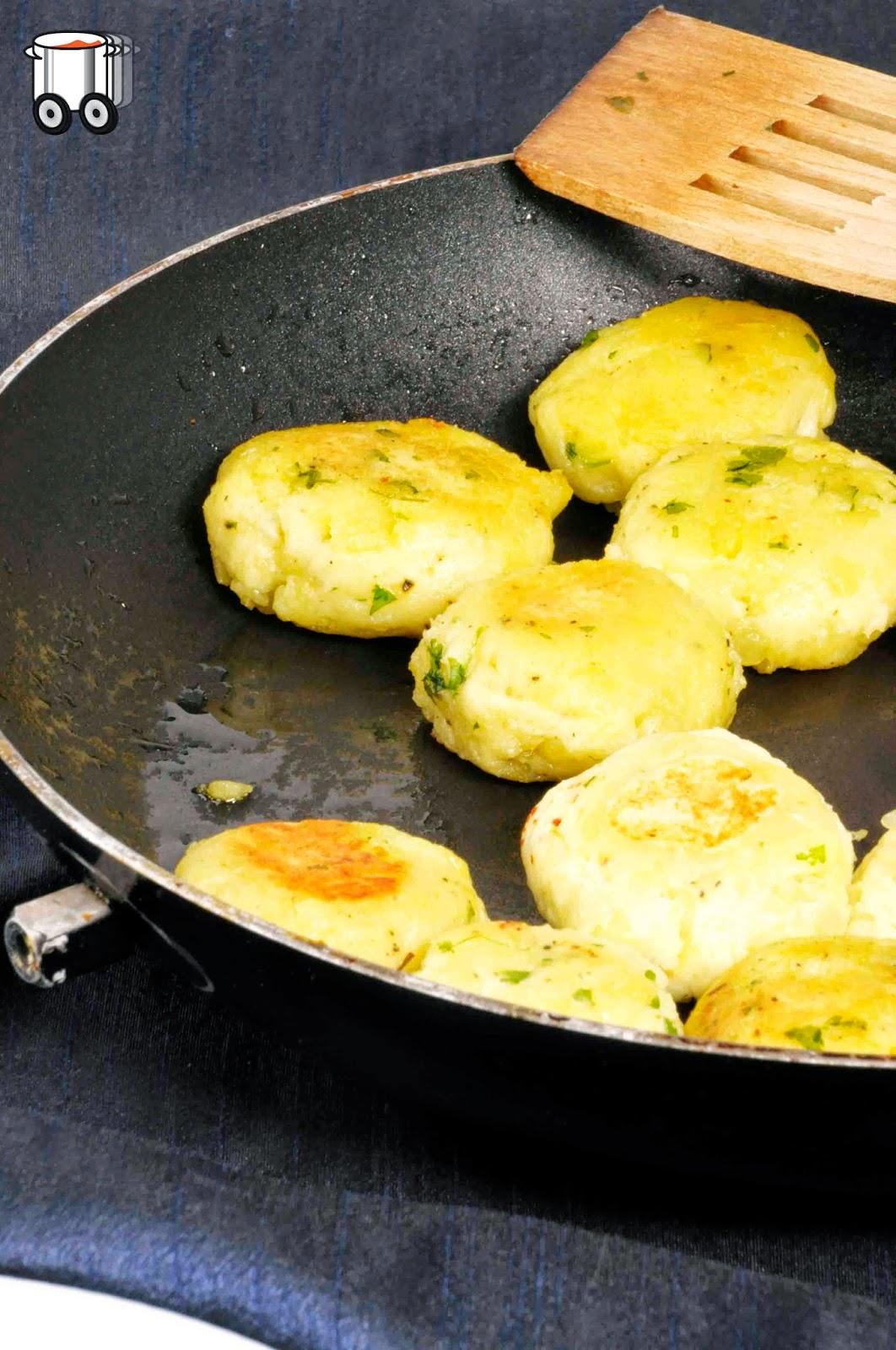Szybko Tanio Smacznie - Ziemniaczane kotleciki (bez laktozy, bez jajek)