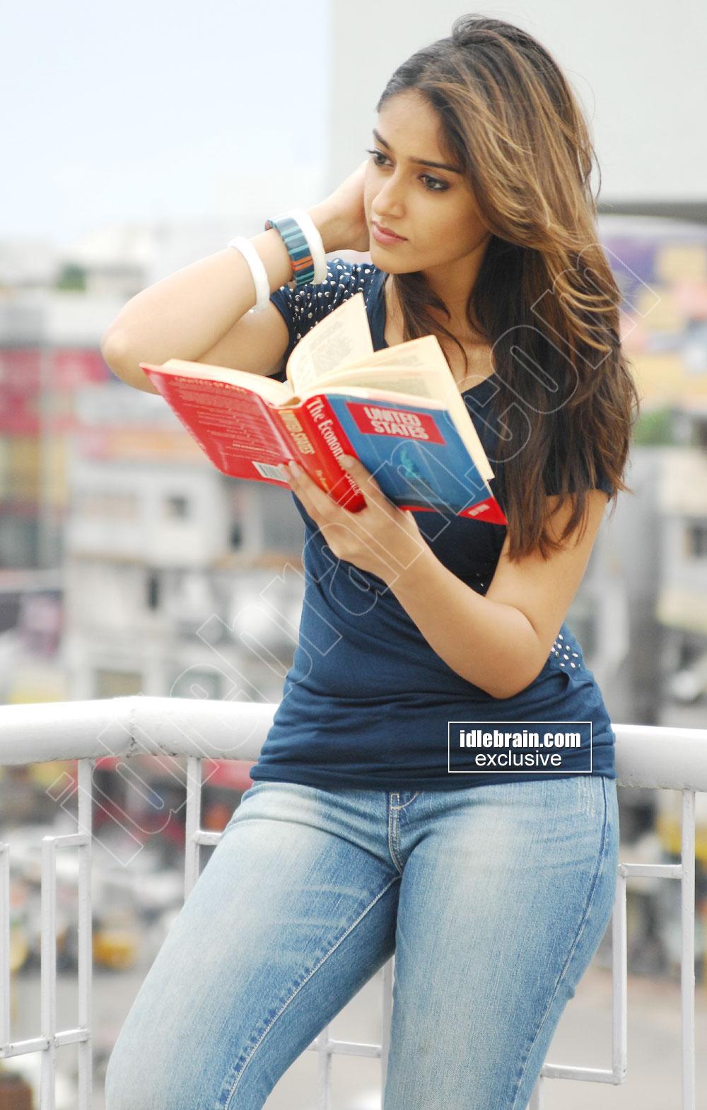 Wallpaper India: Illeana Hot Stills From Her Latest Movie Ileana Hot Wallpapers