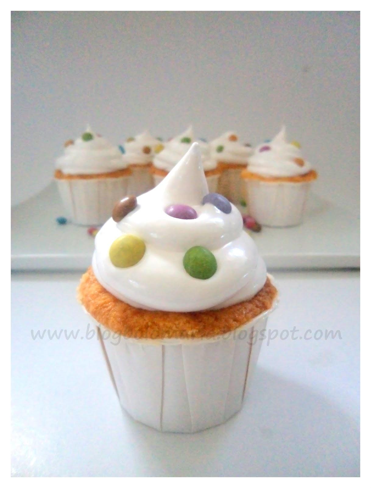 Bolo maria cup cake pops for Cake pops cobertura