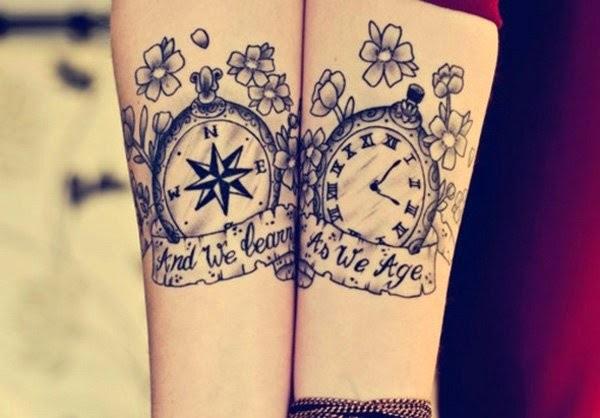 tatuaje brujula y reloj