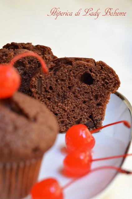 hiperica_lady_boheme_blog_di_cucina_ricette_gustose_facili_veloci_muffins_al_cioccolato