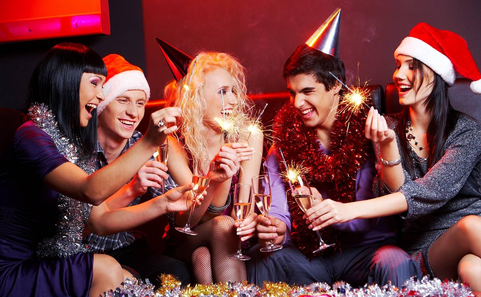 Сценарии как провести новый год