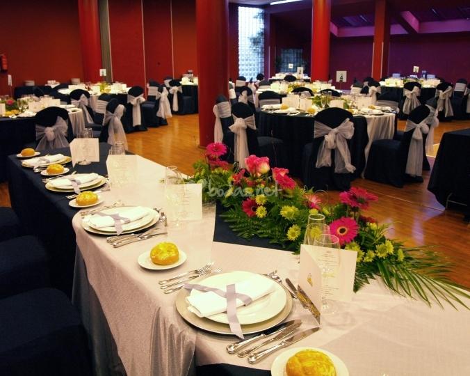 Inspiraci n bodas plata y negro tu boda de ensue o - Decoraciones en color plata ...