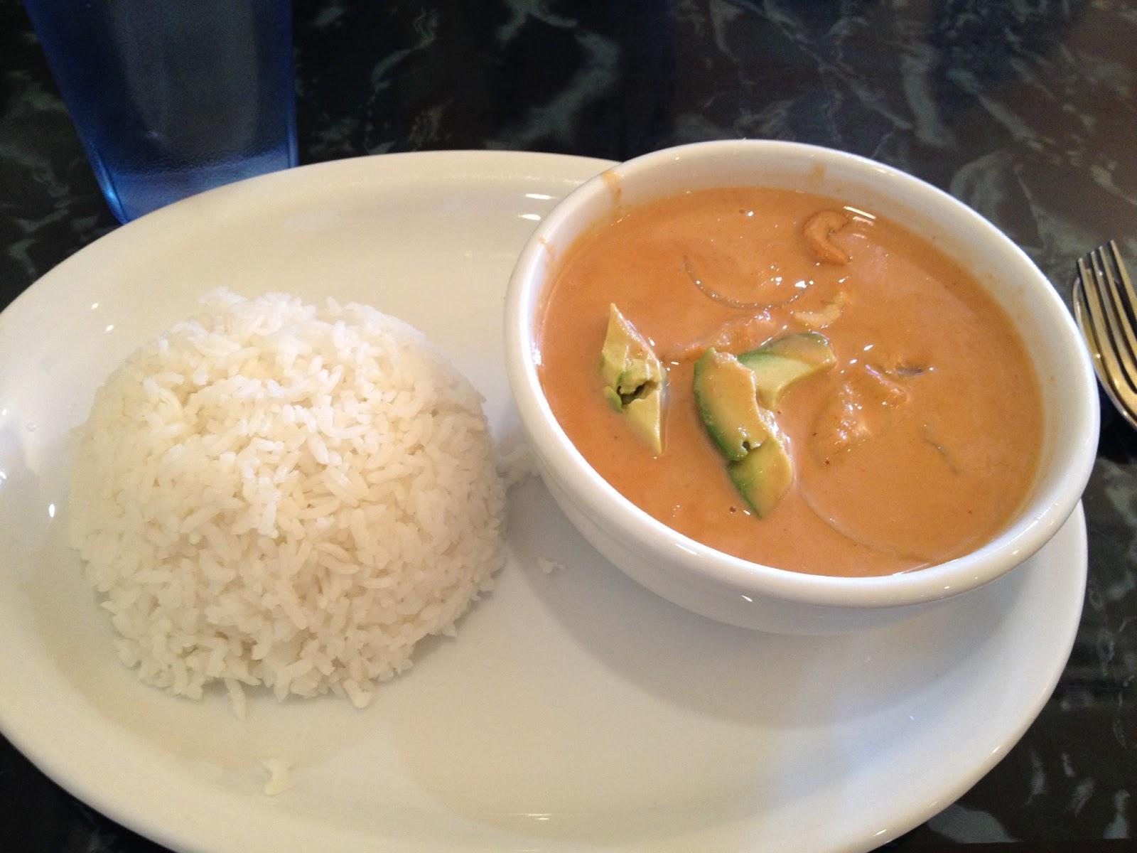 thai food, curry, peanuts, cashews, avocado, pad thai siam, yummy food, restaurant, rice,