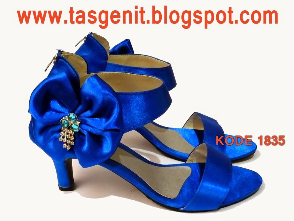 model sepatu terbaru, sepatu cantik, sepatu biru
