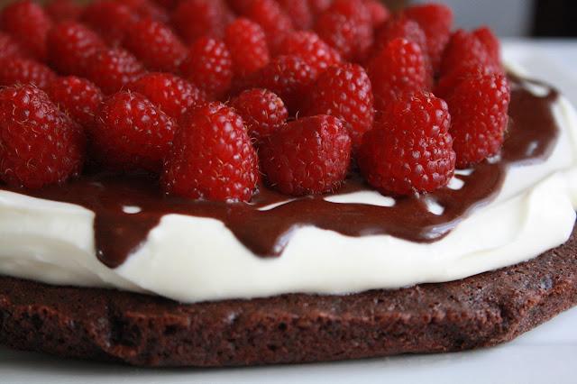 paleo dort cokolada smetana maliny bez lepku