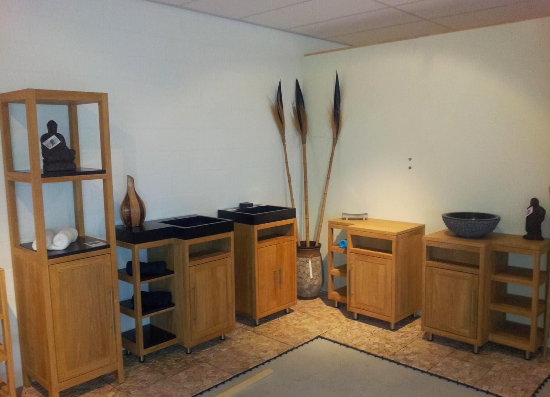 Showroom Badkamer Meubels : Onderscheidende badkamermeubels uit teakhout en mindyhout
