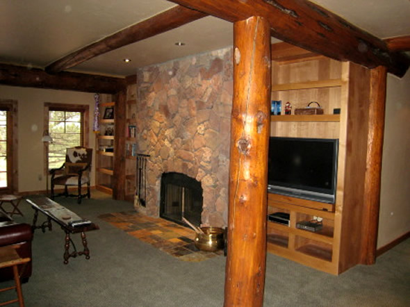 Lodge and log cabin ideas interior design at hartley room home of turquoise - Log cabin interior design ideas ...