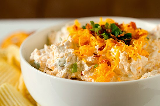 loaded-baked-potato-dip-2-550.jpg