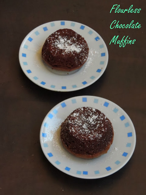Flourless muffins, Flourless chocolate banana muffins