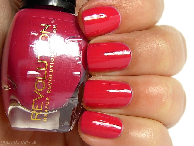 Makeup Revolution Nail Polish - Be Lucky in Love