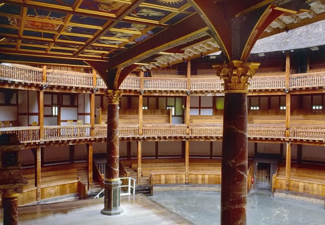 Interior del Teatro Shakespeare en Londres