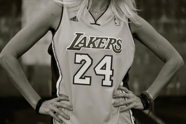 Anne-Cohen-Lakers-Blogger