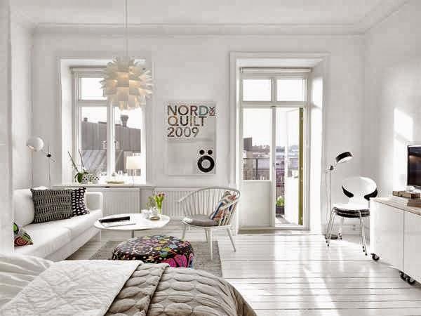 39 metros de puro blanco oasisingular for Casas pintadas interior colores