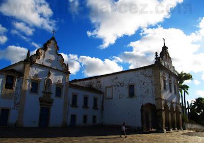 Fachada frontal das igrejas da Ordem Terceira do Carmo e do Convento do Carmo, em São Cristóvão