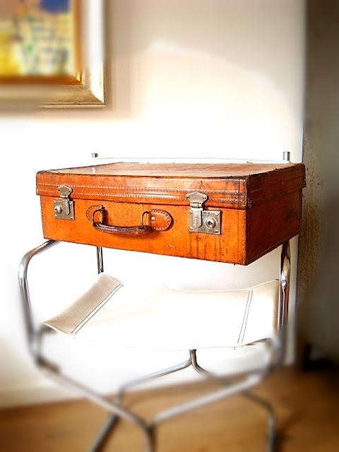 Comprar maletas antiguas estilo nórdico-vintage para decoración de interiores. Objetos de decoración vintage en valencia