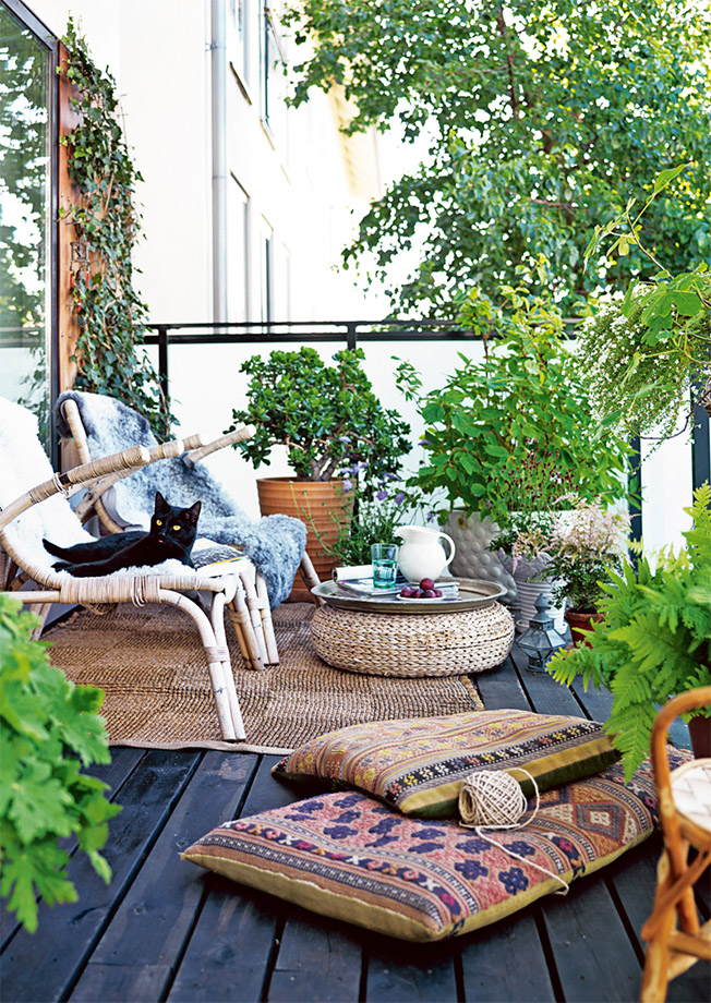 Superbe My Courtyard Is Adorable. That Photo Above Is Definitely Not It. That  Courtyard Is AMAZING. But Moving Past That. I Did A Post With The Before U0026  Afters, ...