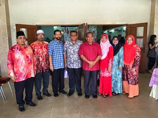 Menghadiri majlis perkahwinan puteri kesayangan Dr Thaherah Pegawai Kesihatan Daerah Kerian