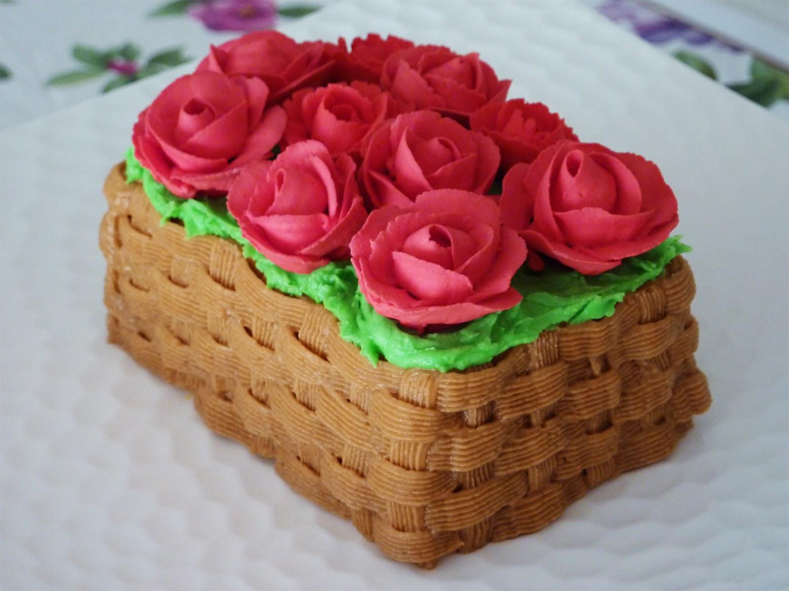 Red Moonrise Basket Of Roses Mini Sponge Cake With Buttercream