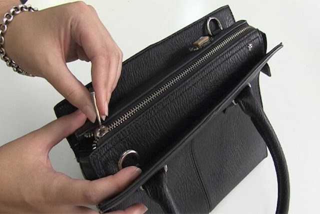 'Smart Purse' Seals Itself To Prevent Overspending