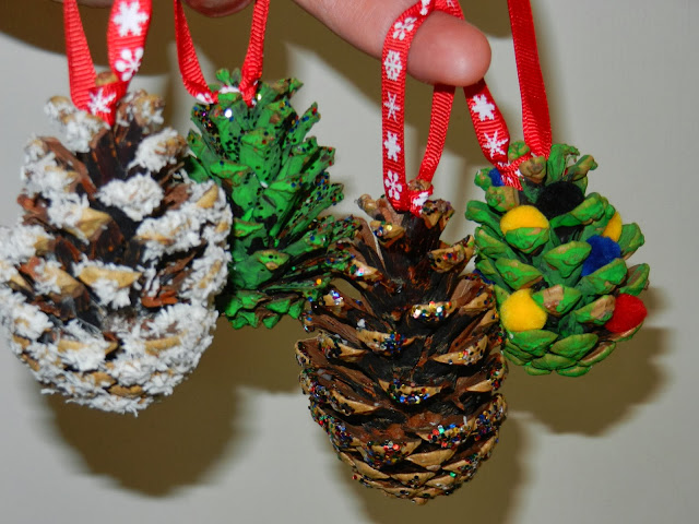 Worms eye view how to make pine cone for Christmas pine cone decorations to make