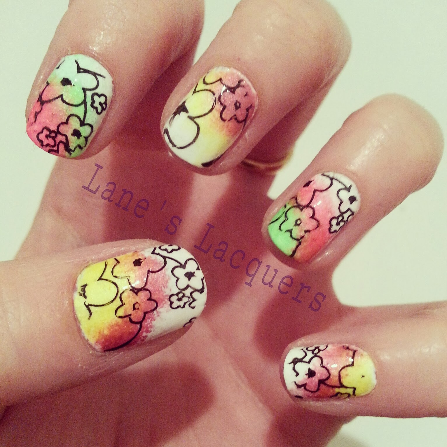fingerfood-theme-buffet-flowers-manicure