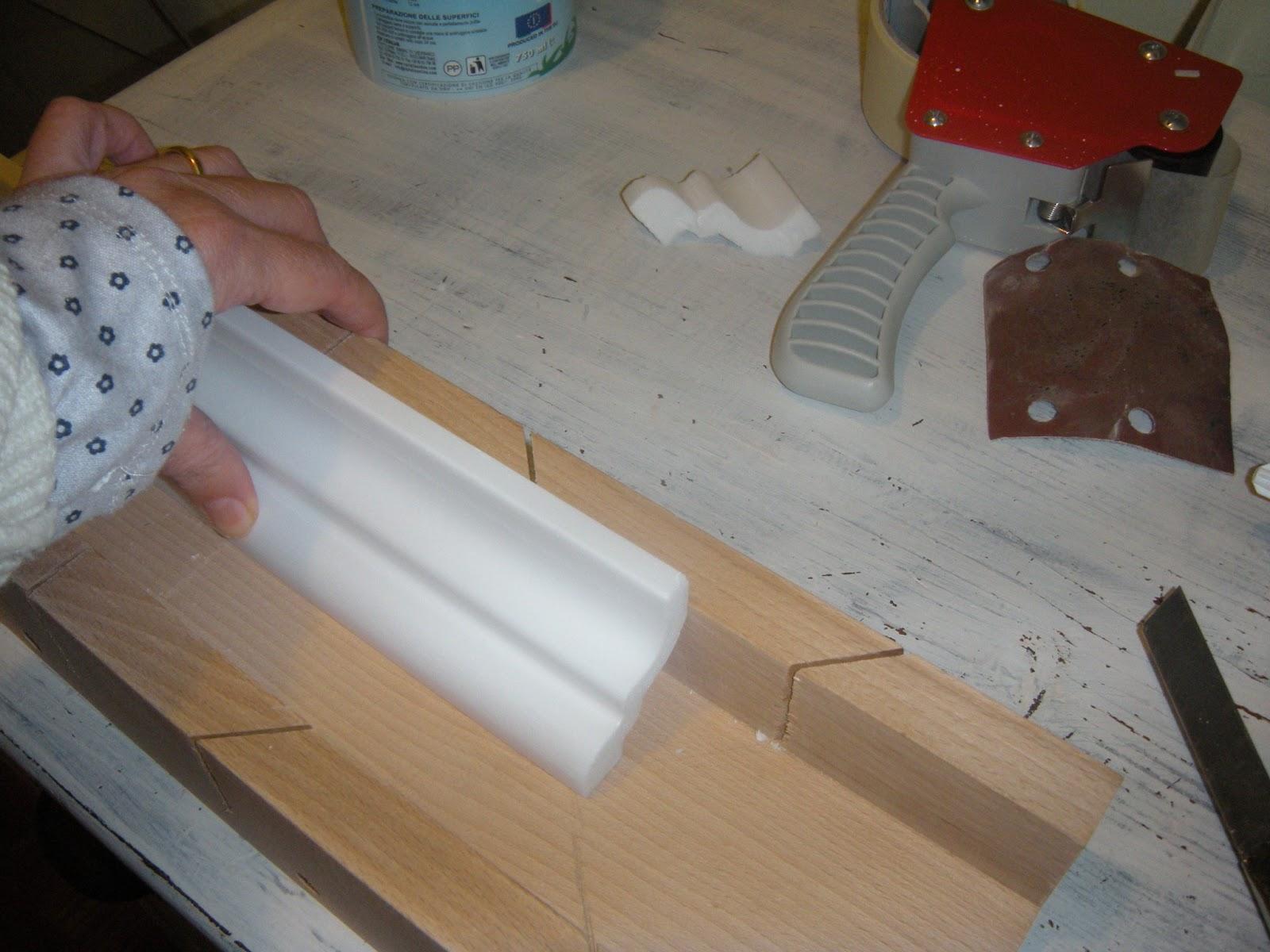 Nelnomedellarosa come fare gli angoli per le cornici in - Decorazioni in polistirolo ...