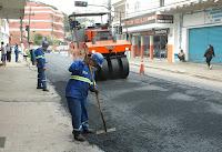 Foi iniciado o asfaltamento da Av. Delfim Moreira, na altura do Vale do Paraíso