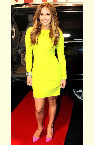 What color shoes look good with a yellow dress