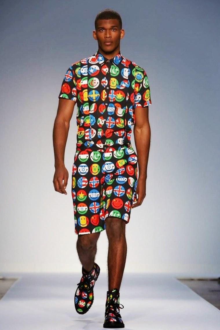 Jeremy-Scott, Moschino, Jeremy-Scott-Moschino, Rita-Ora, fashion-week, lfw, london-fashion, london-fashion-week, menswear, menswear-spring-summer, spring-summer, mode-homme, cheap-mens-suits, mens-tracksuits, mens-suits-sale, mens-designer-suits, dudessinauxpodiums, du-dessin-aux-podiums, mens-waistcoats, fashion-shirts-for-men, mens-cargo-shorts, mens-shirt