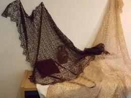 TE KOOP:Donker Bruine  zijde merino sjaal