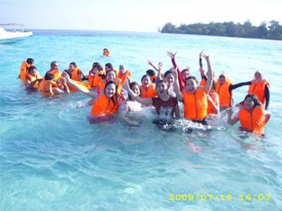 Info : Harga paket wisata Karimun Jawa mulai dari Rp. 450rb s.d. 900rb