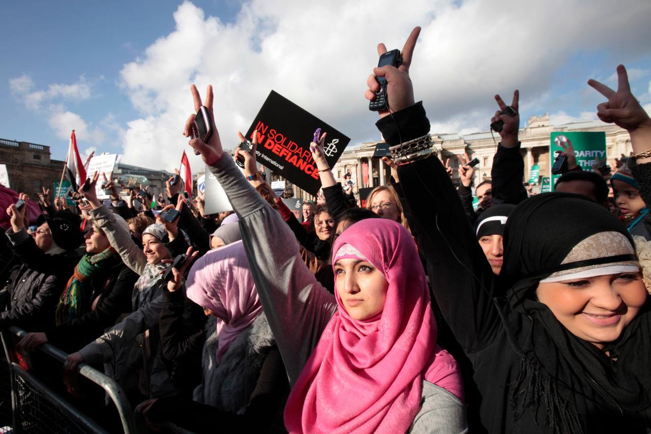 http://4.bp.blogspot.com/--MUn2AQGThI/TVa75YIKa6I/AAAAAAAAS-I/dmy5zalbxb8/s1600/egypt%2Bwomen.jpg