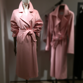 MaxMara Mozart Pink wool and cashmere wrap coat.