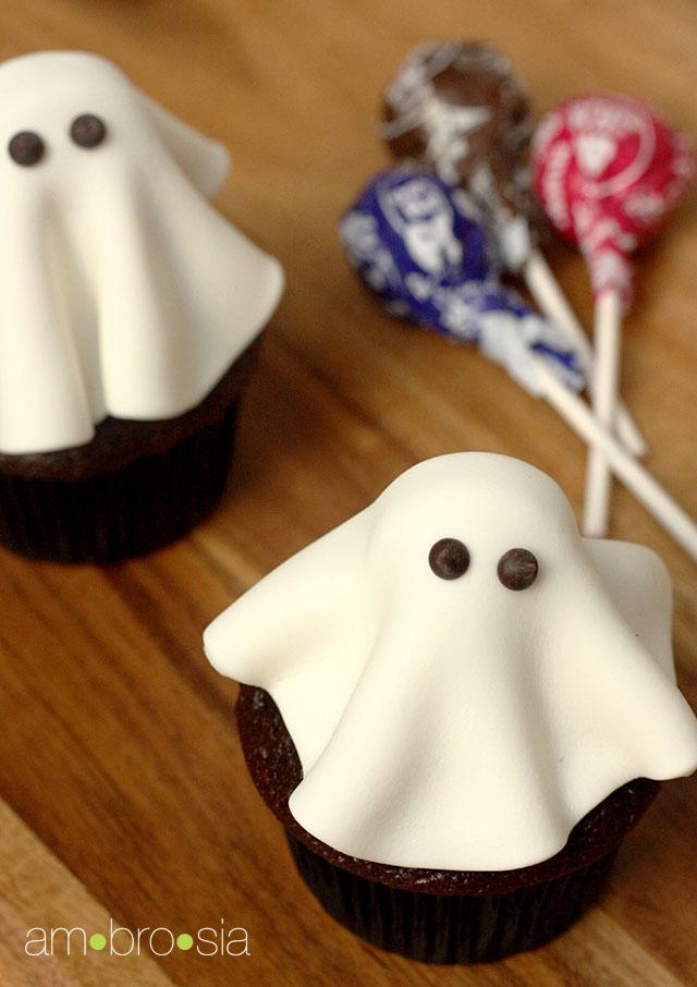 fondant ghost cakes