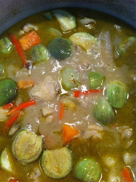 หัดทำแกงเขียวหวานไก่ วิธีทำแกงเขียวหวานแบบอย่างง่าย แกงเขียวหวานไก่กินกับข้าวหรือขนมจีน